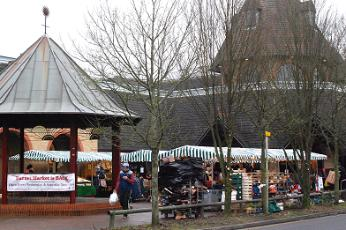 Bandstand and market, Barnet