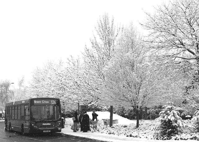 326 bus in the snow, Barnet